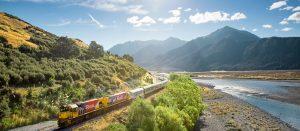 Tranzalpine train - New Zealand - Bill Peach Journeys