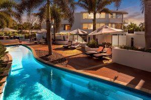 Bargara Beach - swimming pool at Manta Bargara Resort – luxury short breaks on a private aircraft