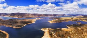 Jindabyne - alpine tour - bill peach journeys