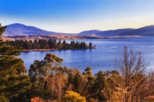 Lake Jindabyne - Alpine Way - Bill Peach Journeys