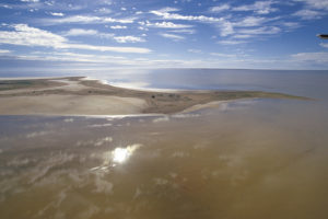 Lake Eyre – aerial view of Lake Eyre in flood from your private aircraft – luxury short breaks on a private aircraft