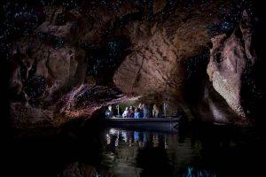 Te Anau - glowworm cave boat tour - Luxury solo tours
