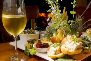 Norfolk Island - wine and canapes gourmet food tours - luxury short breaks