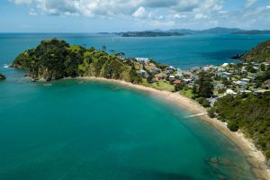 Russell - Tapeka Point Beach - Luxury solo tours
