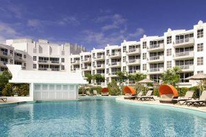 Noosa - Sofital Noosa Pacific swimming pool - Luxury short breaks Australia