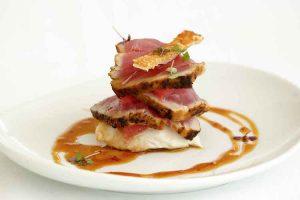 Noosa - seafood lunch - Luxury short breaks Queensland