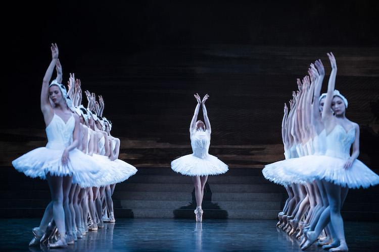 Paris Opera Ballet - Swan Lake