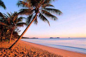 Cairns - Kewarra Palms beach at sunset - Luxury short breaks Queensland