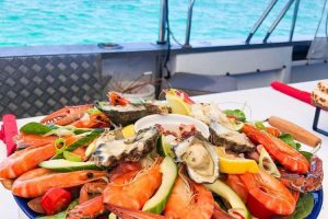Western Australia - catch of the day seafood platter on cruise - Luxury short breaks Australia