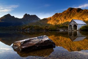 Cradle Mountain - crystal clear waters of Dove Lake - Luxury solo tours